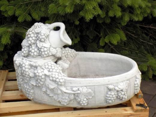 BAD-2120B Exklusiver Weinbrunnen mit Weinkrug als dekorativer Gartendeko Brunnen für Wein Restaurant