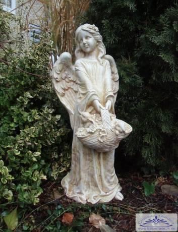 gartenfigur statue figur engel mit blumenkorb. Black Bedroom Furniture Sets. Home Design Ideas
