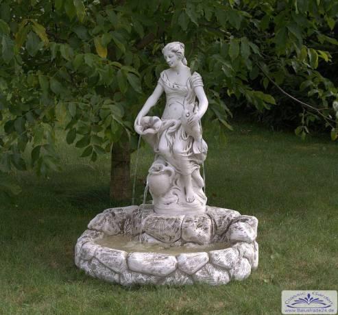 Gartendeko Figuren, wandbrunnen gartendeko brunnen mit figur frau als wasserträgerin, Design ideen