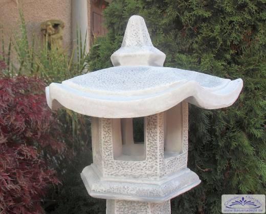 japanische steinlaterne steinlaternen pagode stupa steinleuchte gartenfiguren produzent. Black Bedroom Furniture Sets. Home Design Ideas