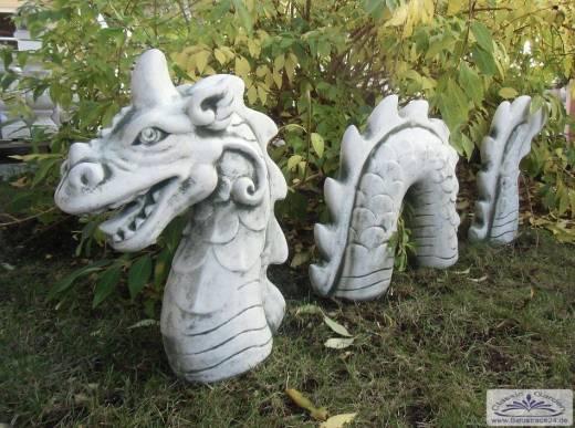 Steinfiguren Garten seeungeheuer nessie loch ness drachen wurm gartenfiguren