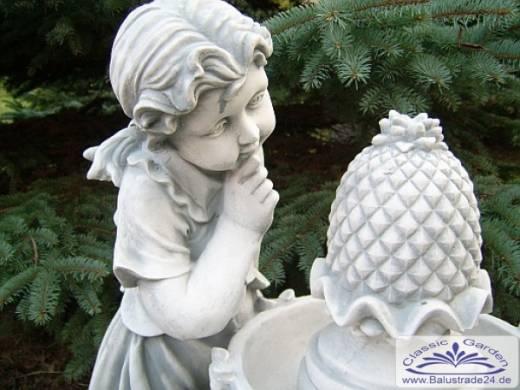Kleiner gartenbrunnen als gartendekoration gartenfiguren - Kleiner gartenbrunnen ...