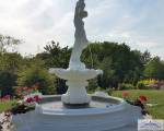 SA-N11B Grosser Gartenbrunnen als Kaskadenbrunnen mit Figur Wasserträgerin Brunnen und Brunnenbecken mit Muscheldekor 220cm